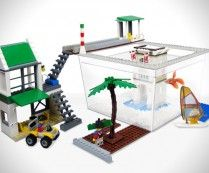 Fishspace LEGO Fish Tank  I HAVE TO FIND THIS FOR HOSS's BIRTHDAY!!!!!