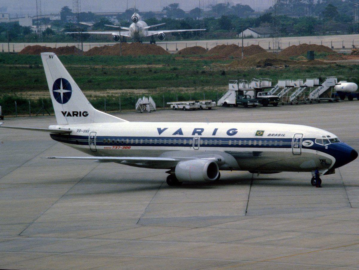 VARIG - Boeing 737-300 - PP-VNV