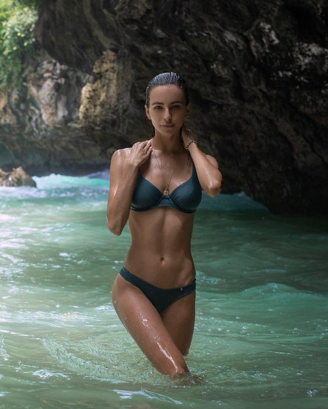 Cleavage Bikini Amanda Pizziconi naked photo 2017