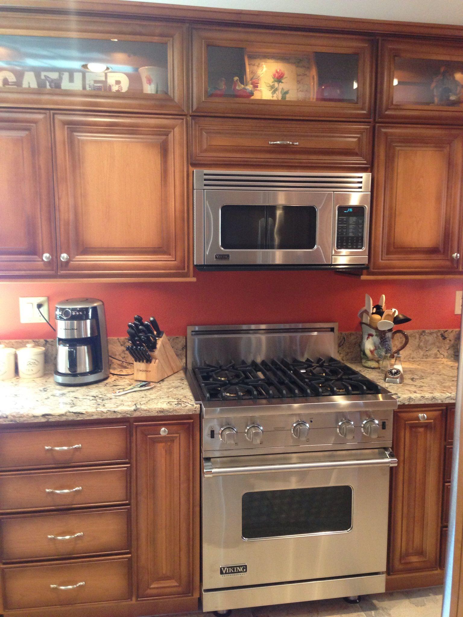 Cambria clyde kitchen and bathroom countertop color - Bath Viking Range Cambria Quartz Bradshaw