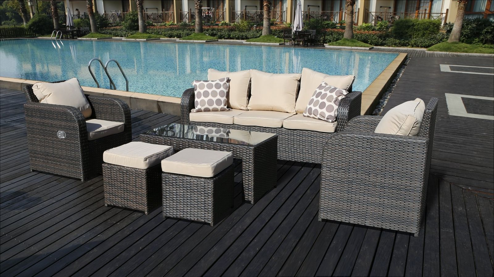 7 Seater Rattan Garden Furniture Sofa Set Plus Reclining Chairs