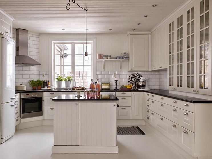 Look at all those drawers! White Kitchen Kitchens Pinterest - küche ikea planer