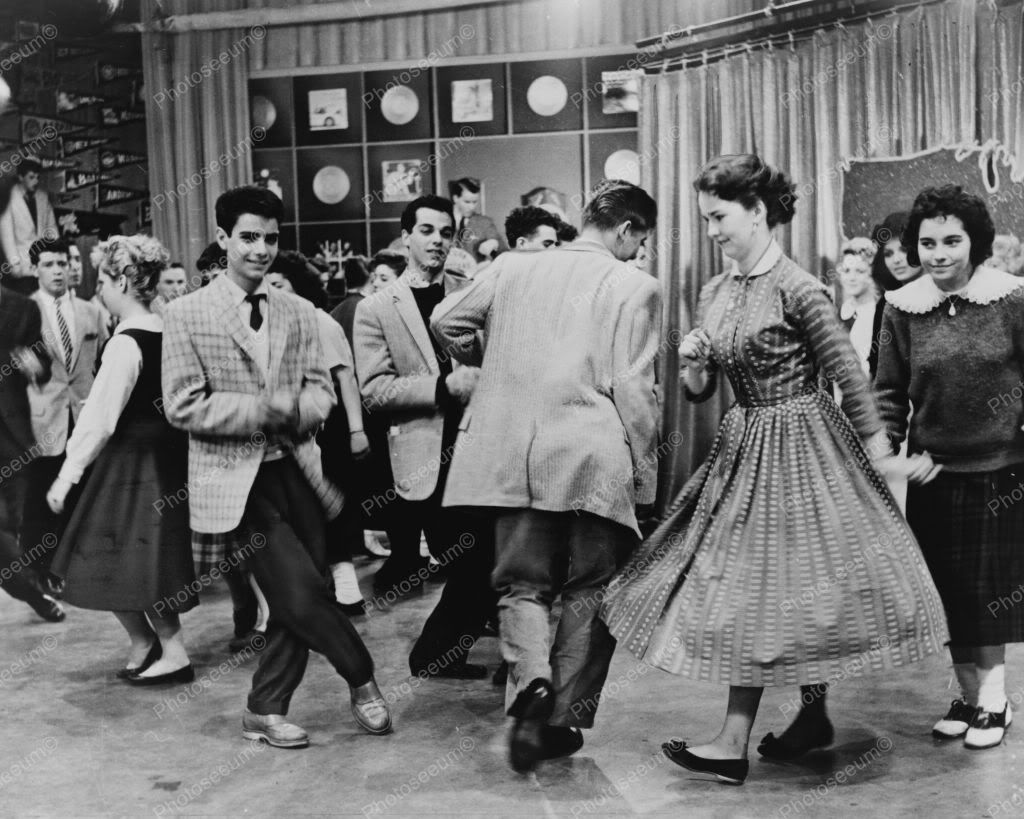 american bandstand 1950s | Home » All Other TV Shows » Classic  Dramas/Dramedies/Other TV Shows ... | American bandstand, Dance, Oldies