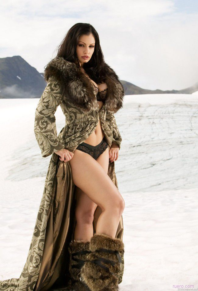 Aria Giovanni in stunning coat