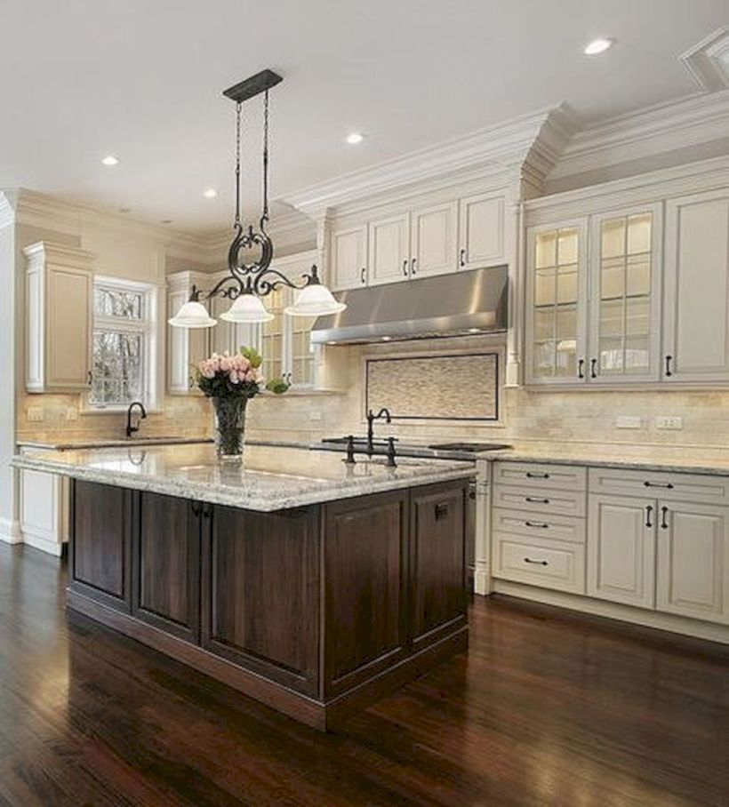 Traditional Off White Kitchen Cabinets: 52 Striking Traditional Kitchen Design Ideas