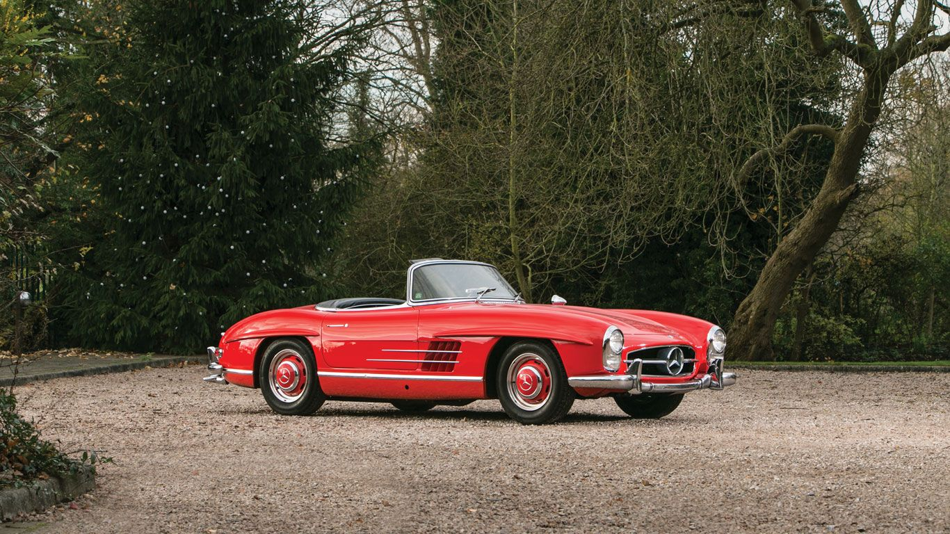 Millions Spent At The Rm Auctions Sale At Retromobile Paris Mercedes Benz 300 Sl Roadster Sold For 1 23 Mercedes Benz Classic Mercedes Benz 300 Mercedes Benz