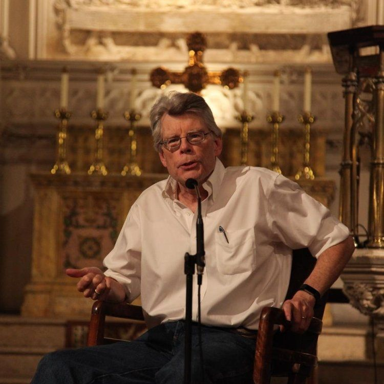 Stephenking S Thestand To Be Turned Into A 10 Episode Series Stephen King Episodes Series Episode