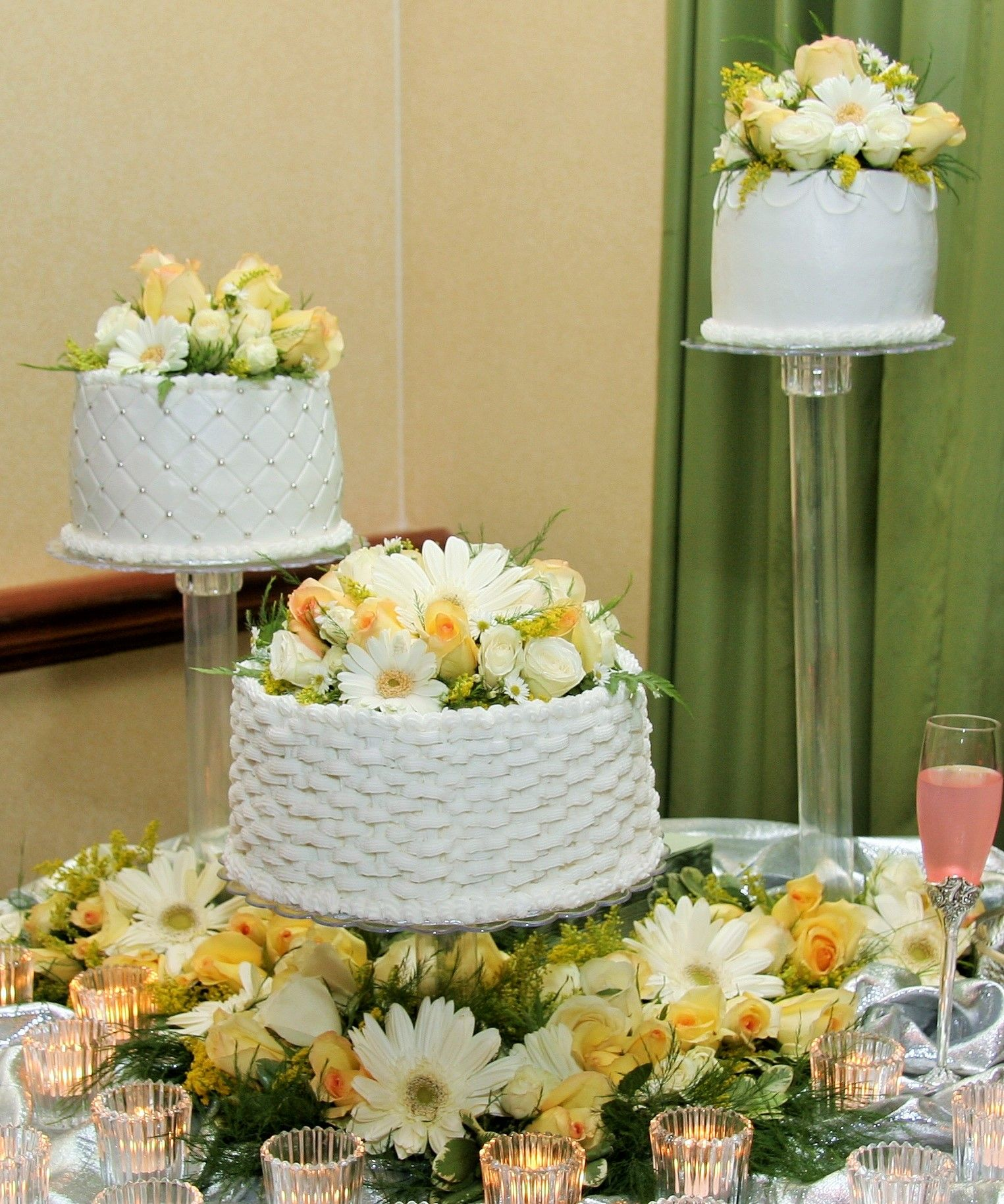 3 Separate Tier Round Wedding Cake with Design and Flowers | Cakes ...