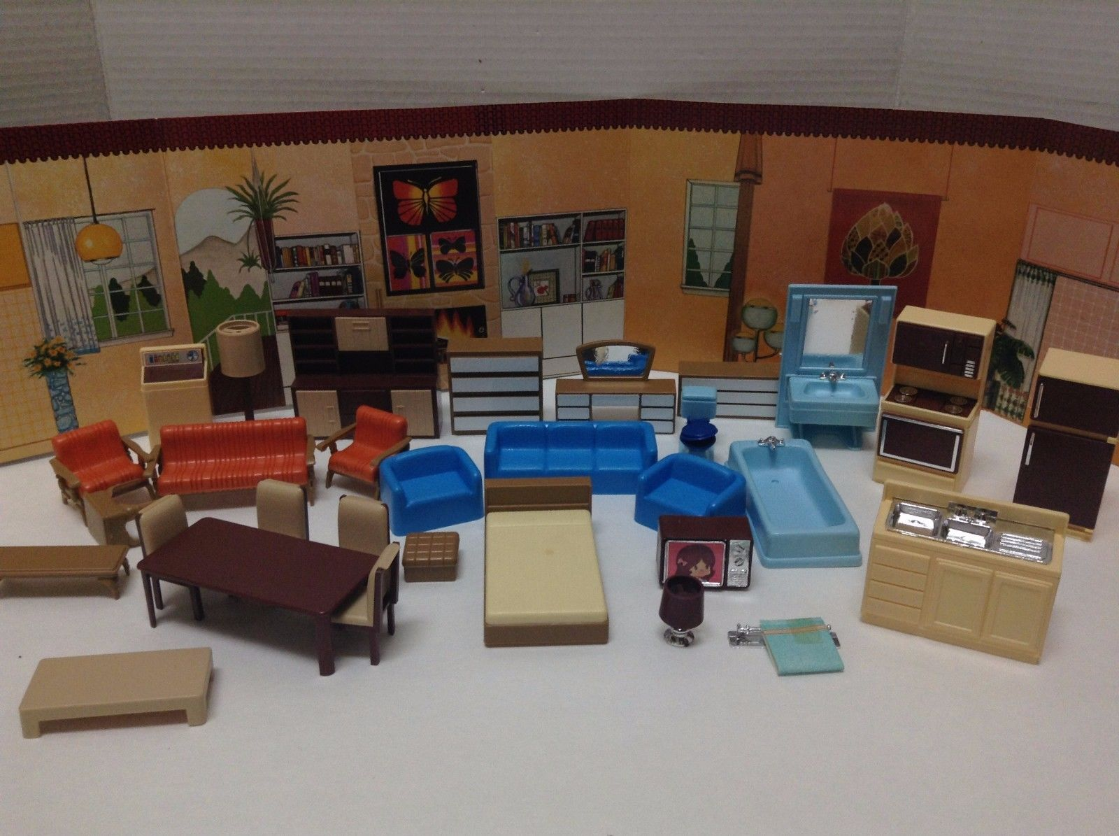 Vintage ARCO Plastic Dollhouse Furniture   Made In Hong Kong