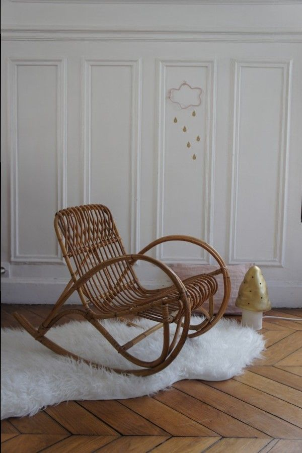 rocking chair enfant en rotin meuble vintage meubles. Black Bedroom Furniture Sets. Home Design Ideas