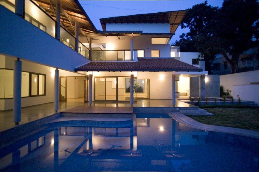 Fernandes House by Khosla Associates via archdaily.com