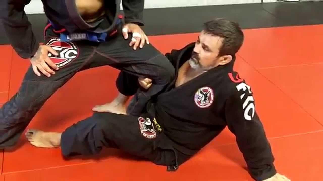 De la riva sweeps jiu jitsu techniques jiu jitsu bjj