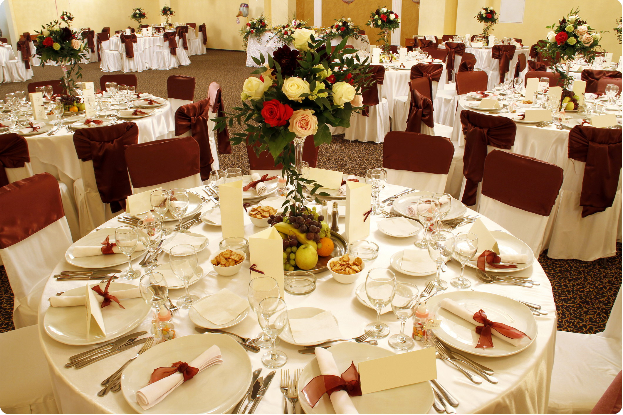 Wedding party decoration ideas wedding table decoration for Wedding banquet decorations