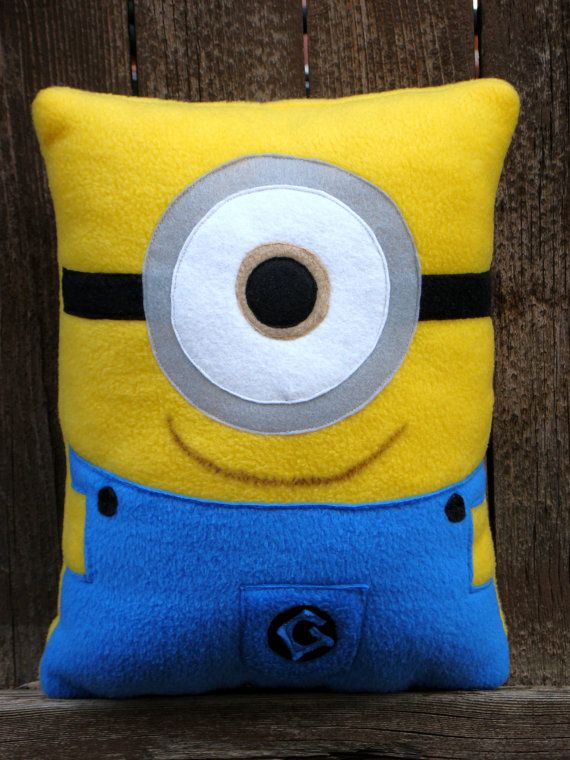 minion pillow plush by telahmarie on Etsy : sewing pattern for minion pillow  - pillowsntoast.com