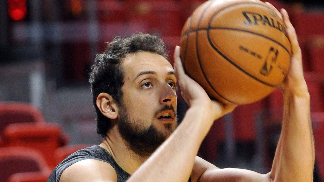 belinelli beats beal in epic 3point battle three point