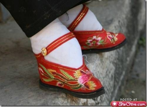f2dee812711a36 Chinese foot binding shoe | Shoes | Fashion, Shoes, Ancient beauty