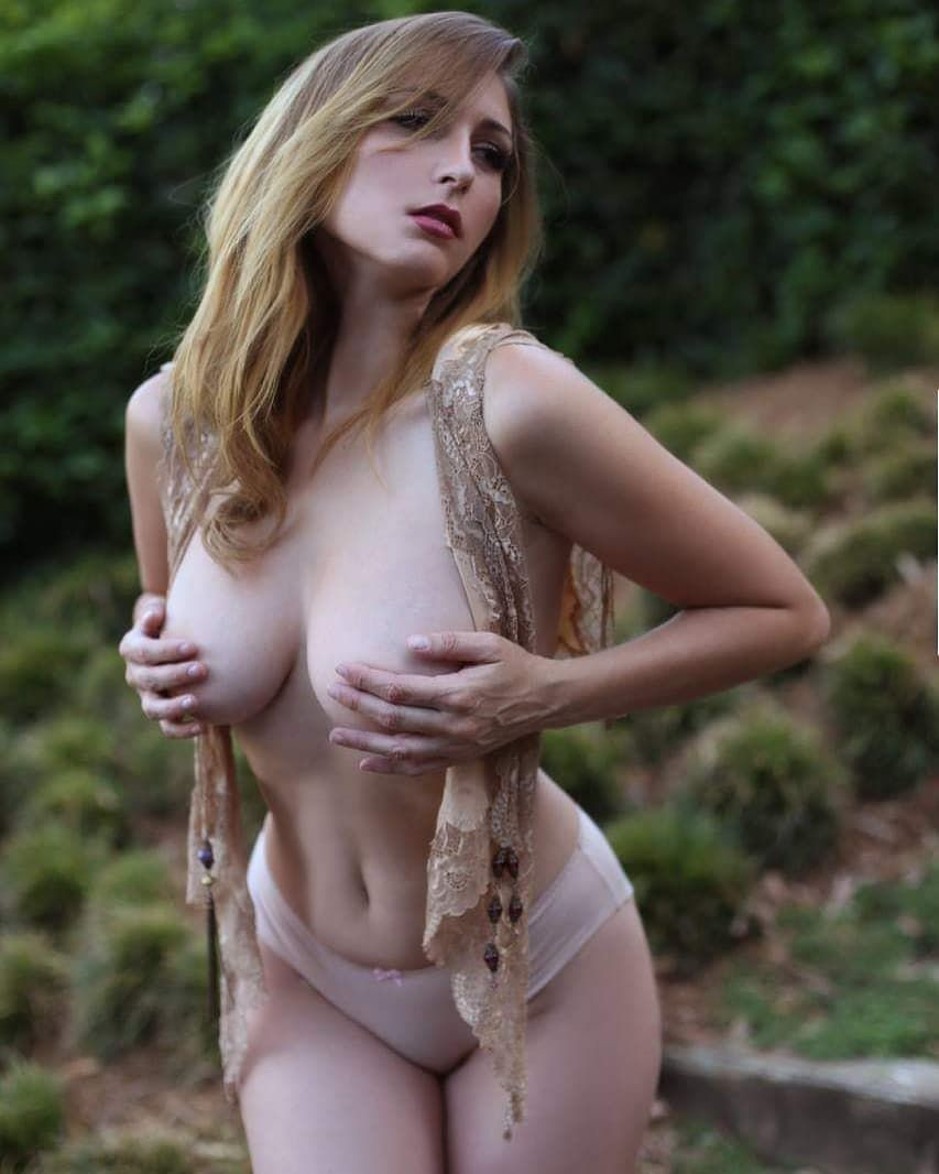 iranian pussy wet clits