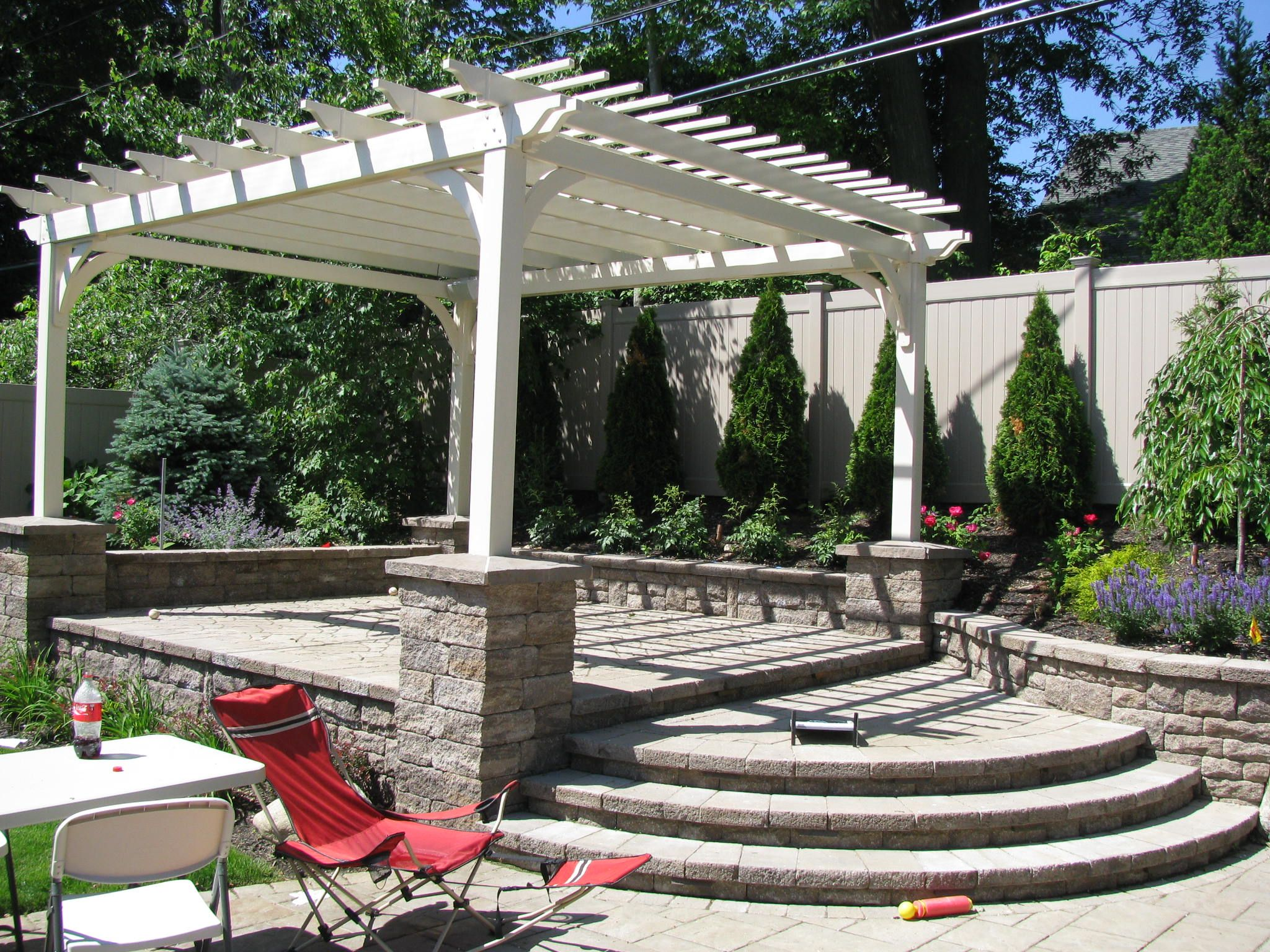 Building outdoor living spaces effectively extends your home living spaces. Metamorphosis Landscape Design takes outdoor spaces and constructs, develops, and enhances them, effectively extending your livable space and increasing the value of your home.