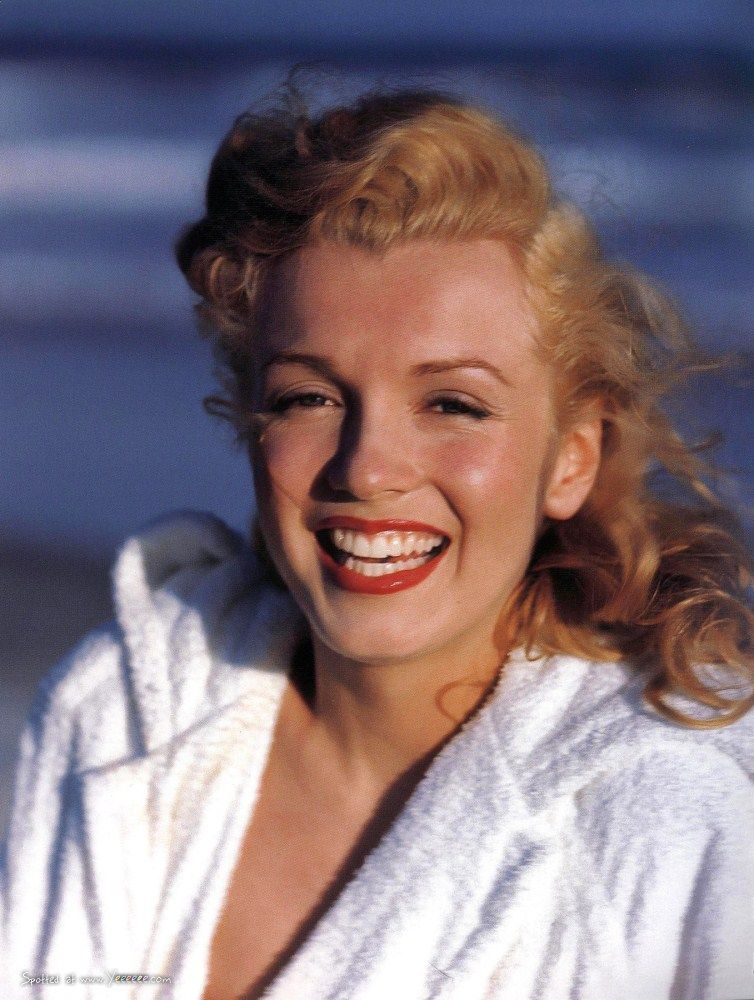 Vintage Everyday Marilyn Monroe At Tobay Beach Long Island Summer 1949