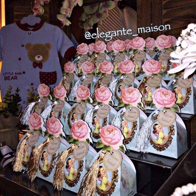 تقديم و ضيافة On Instagram توزيعات شوكلاته ميني مكسرات وبيض الصعو حفلات استقبال توزيعات مواليد توزيعات حفلات Dessert Display Favors Desserts