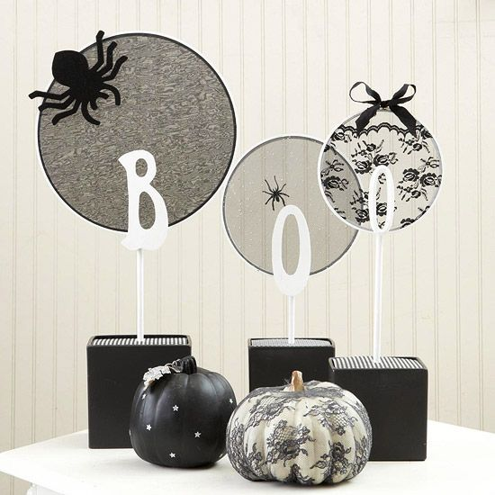 Boo Embroidery Hoop Centerpiece halloween crafts crafty decorations - funny halloween decorating ideas