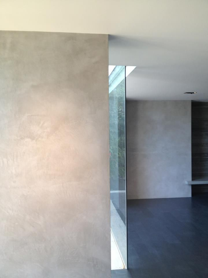 Olivetti Lime Plaster Walls. Concrete Look.