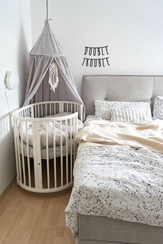 Erstausstattung Fur Zwillinge Praktische Alltagshelfer Blog Babyeckchen Mama Blog In 2020 Beistellbett Baby Babyzimmer Design Beistellbett
