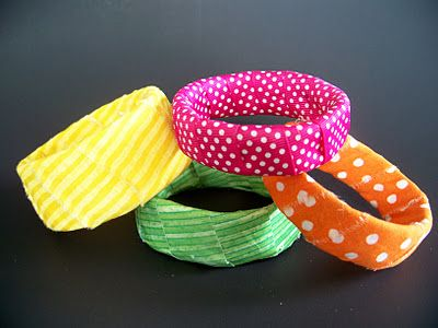 bangle bracelets from recycled Pringles cans