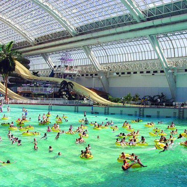 He Largest Indoor Water Park In The World Is In Edmonton Canada A Huge Shopping Complex It