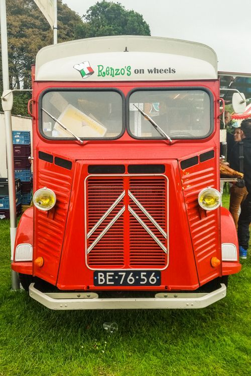 Old Citroen Car | The Magic of Mobile Restaurants at Food Truck Festival TREK Den Haag / The Hague, The Netherlands | The Travel Tester | #MustLoveFestivals
