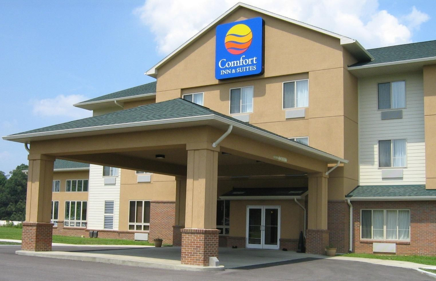 Comfort Inn & Suites Hotel Near Rockport, Indiana Hotel