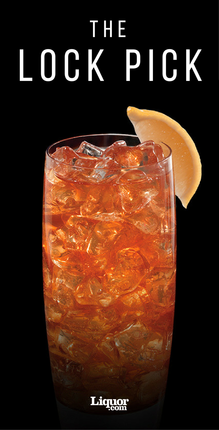 This Iced Tea And Bourbon Cocktail Is The Key To Great Night