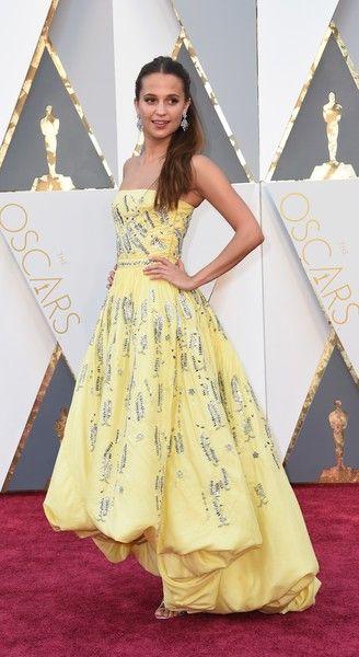 Alicia Vikander Photos - 88th Annual Academy Awards - Arrivals - Zimbio