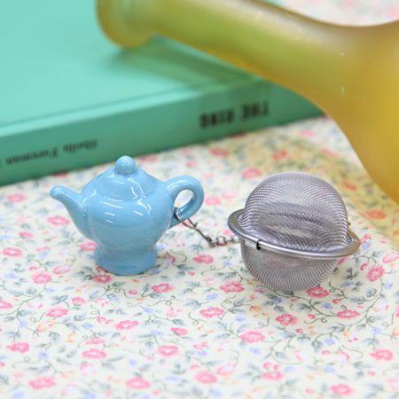 I can't help myself, I lOVE tea accessories!