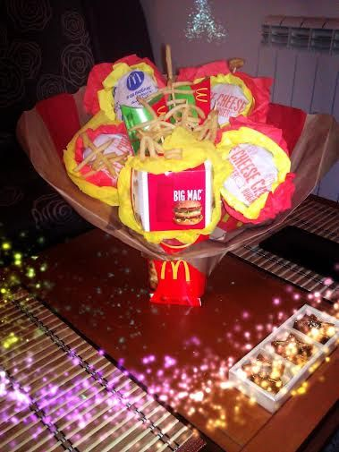 Mcdonald S Bouquet In 2019 Food Pinterest Fast Food Places