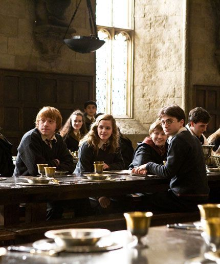 You Can Eat A Holiday Feast In The Great Hall At H