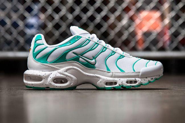 Nike Air Max Plus Tuned 1 Mint Eu Kicks Sneaker Magazine Nike Air Max Plus Chaussure Chaussures Homme