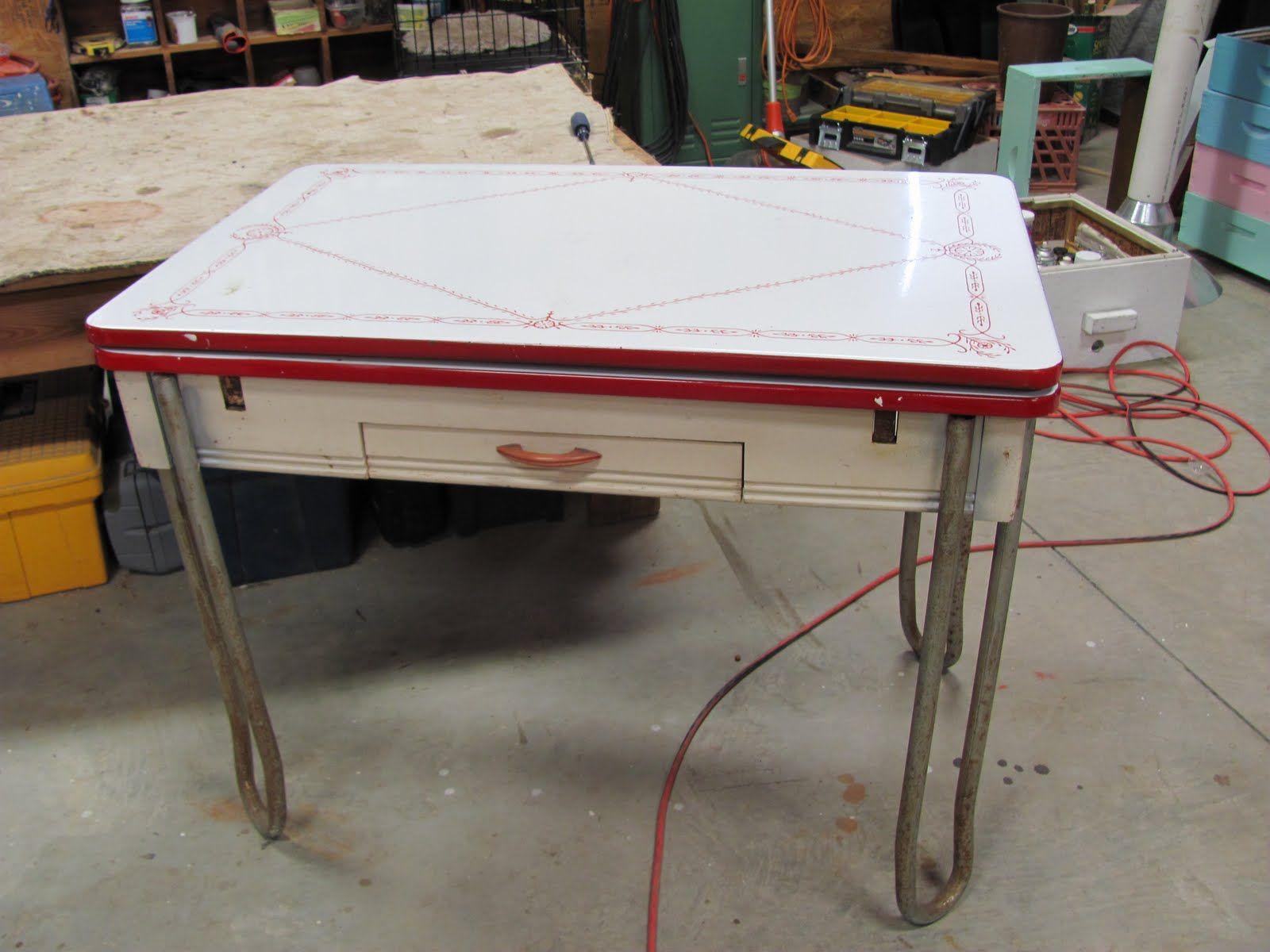 Vintage enamel top table   Vintage kitchen table, Kitchen table ...