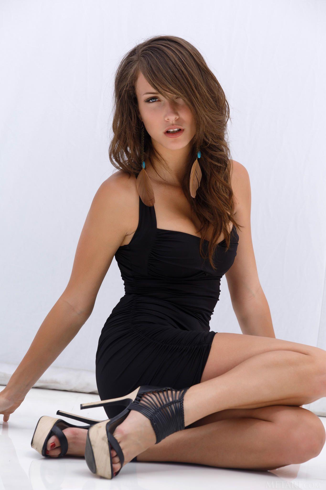 "malena morgan, hot ""legs"". | black | pinterest | eye candy and celebrity"