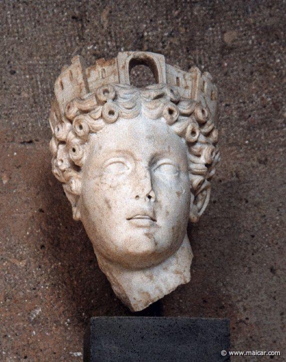 Tyche, Museo archeologico di Corinto