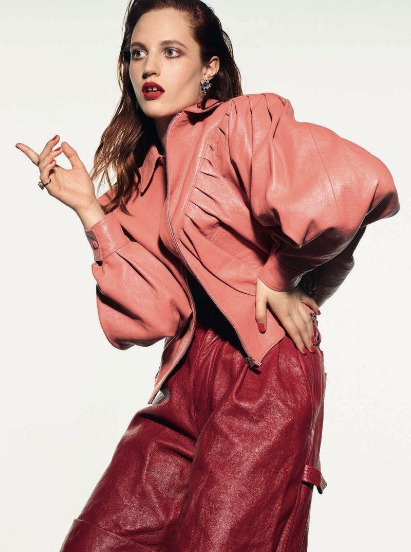 Photo of Julia Banas shimmers in slim styles for Vogue Poland – Julia Banas V …