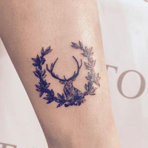 방금 작업 끝 ! 배우는 중이라 기존 가격의 10-20%만 받고 타투 진행중입니다 문의주세요 01063457124 카톡 : eunbee3447@naver.com #tattoomare #tattoos #tattoo #deer #deertattoo #deertattoos #sweetbay #sweetbaytattoo #sweetbaytattoos #animaltattoo #대학로타투 #혜화역타투 #성신여대타투 #타투마레 #사슴타투 #월계수타투 #사슴 #월계수