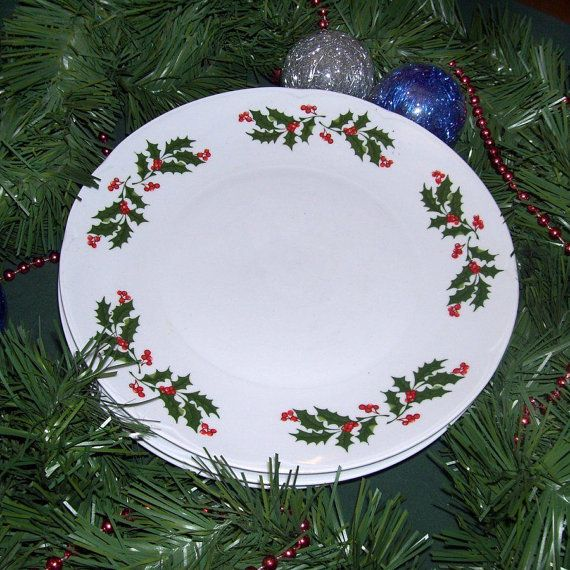 Decorative porcelain christmas plate american greetings 1992 vintage apulum romania holly plates vintage christmas plates 1950s red holly berries green leaves dishes m4hsunfo