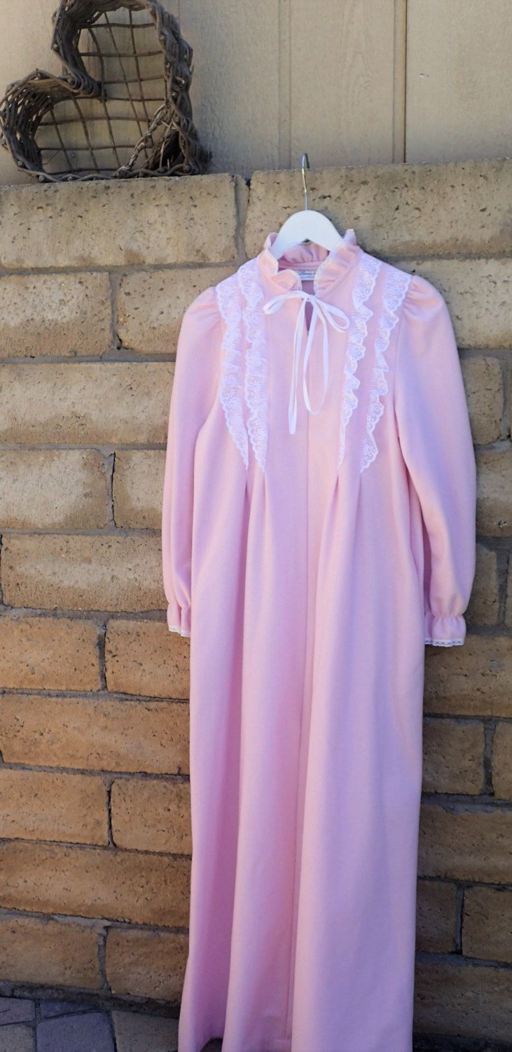 1a29d2c5c78d Sears Womens Vintage Pink Nightgown Pajamas- Warm Soft Famous Bodies - Maxi  Long Sleepwear - ILGWU - Size small 6-8 - Polyester by DOINGITSOBER on Etsy