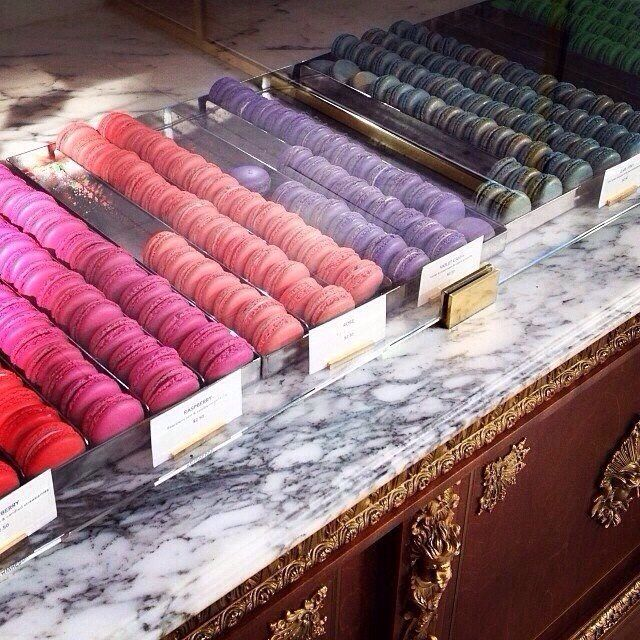 Macaroon, PUSH and choose your ... Image 1 of 7