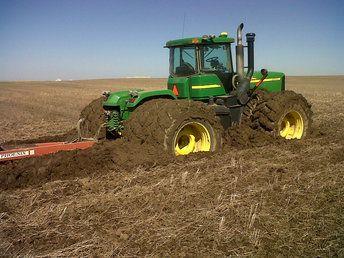 Stuck John Deere 9520 | Stuck | Tractors, John deere