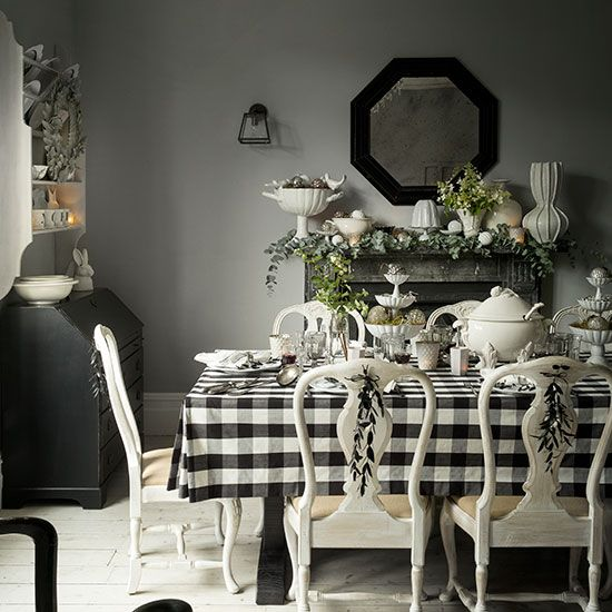 White Decorated Rooms: Black And White Christmas Dining Room