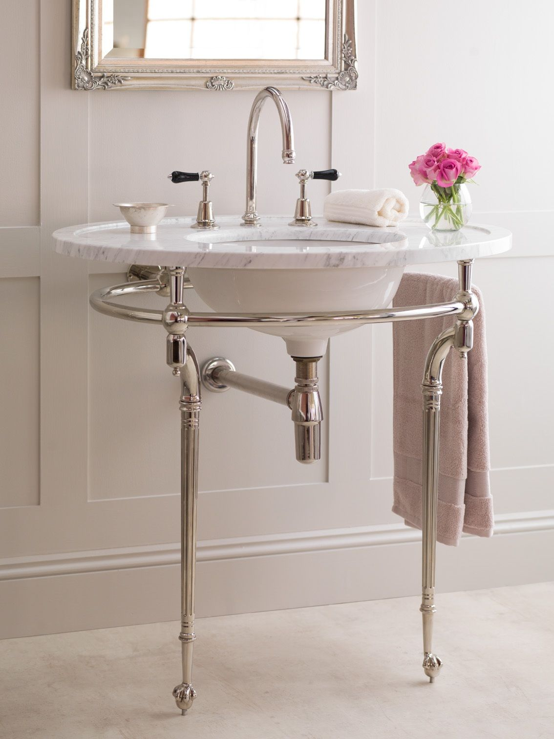 The Kinross Arabascato Marble Washstand With La Fontaine Noire Taps #Luxury #Bathroom