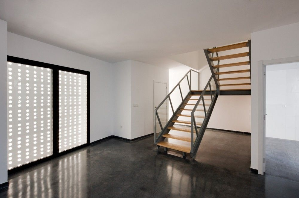 2 Viviendas sociales, Torre de Miguel Sesmero  / GAas architecture studio  http://www.plataformaarquitectura.cl/2012/08/21/2-viviendas-sociales-torre-de-miguel-sesmero-gaas-architecture-studio/502a9ed428ba0d55b500002a_2-viviendas-sociales-torre-de-miguel-sesmero-gaas-architecture-studio_1_copia-jpg/#