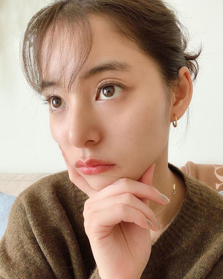 新木優子さんはInstagramを利用しています「前髪のセットがすこ